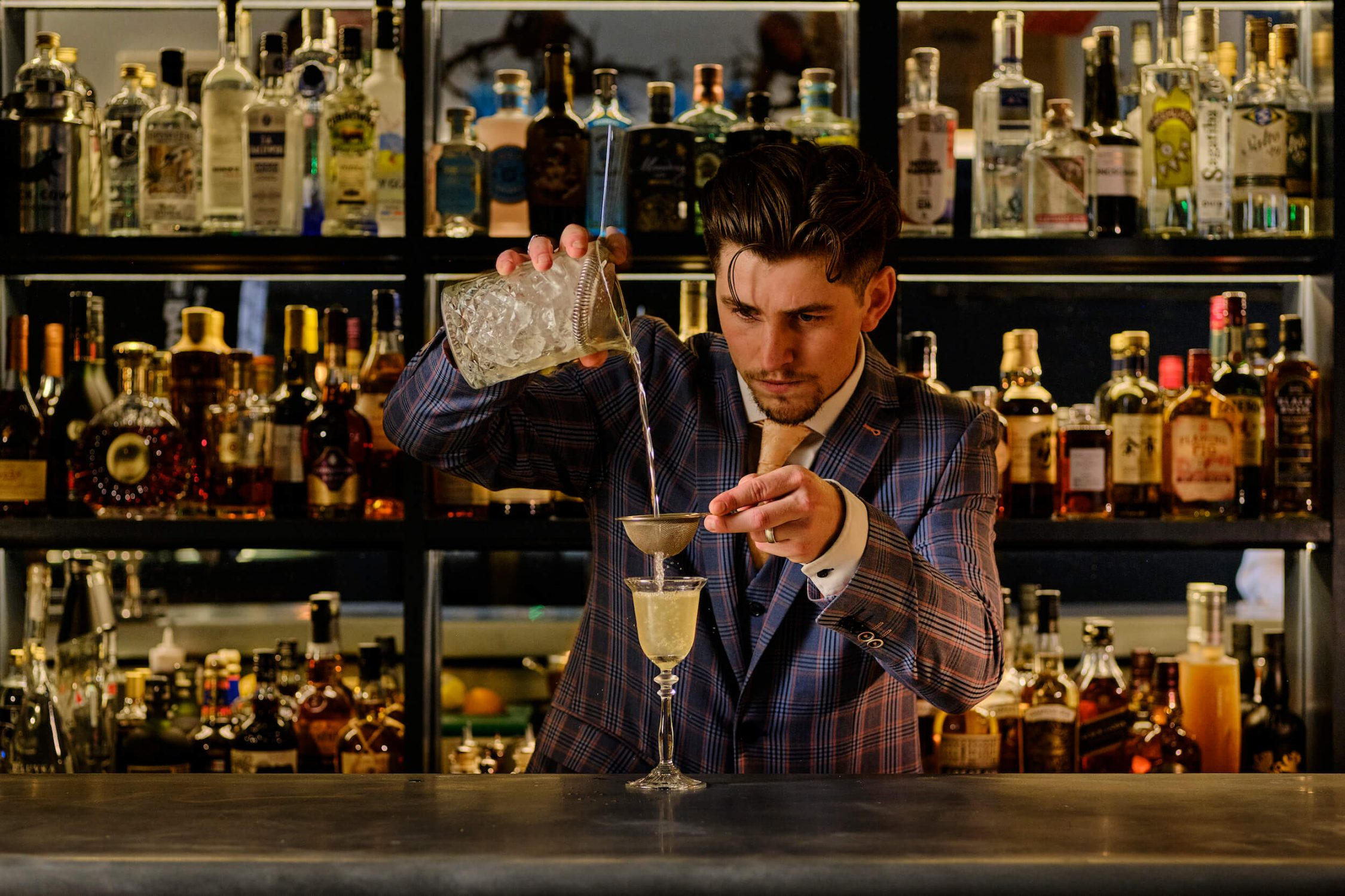 Dale_pouring_cocktails_marksbar